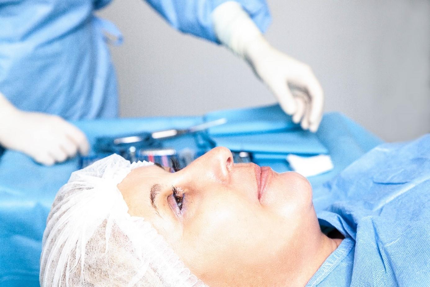 operacija očne leće